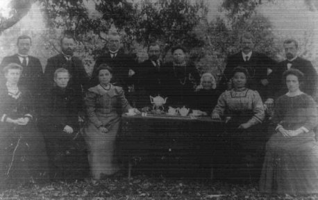 Familie Valentijn te Hem omstreeks 1910